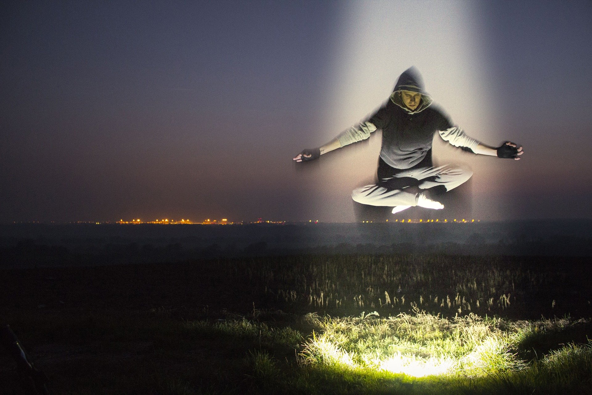 meditation-levitation - Image by Benjamin Balazs from Pixabay