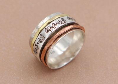 Om Mani Spinning Tibetan Mantra Ring
