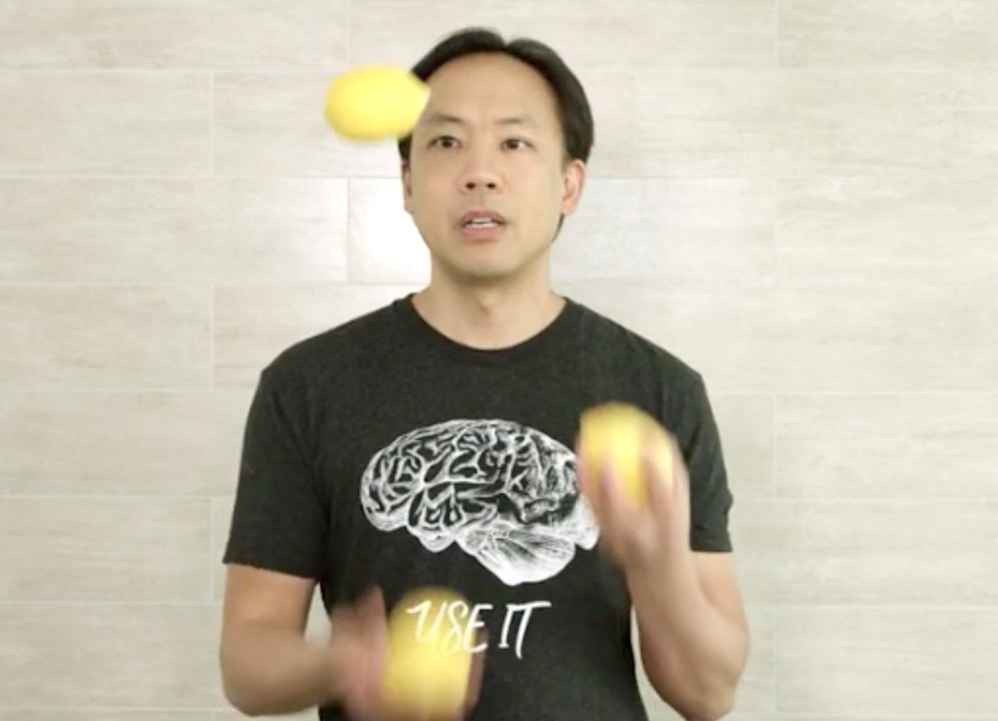 jim kwik juggling with lemons